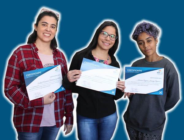 mulheres com certificado km multi cursos